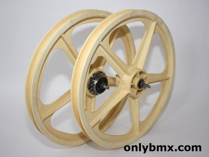 Skyway Tuff Wheels - White
